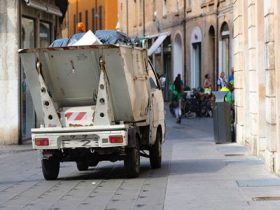 truck with rubbish